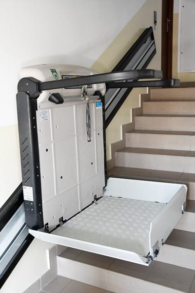 Dźwig System Rzeszów,windy dla niepełnosprawnych,urządzenia dla niepełnosprawnych,platformy dla niepełnosprawnych,podnośniki dla niepełnosprawnych